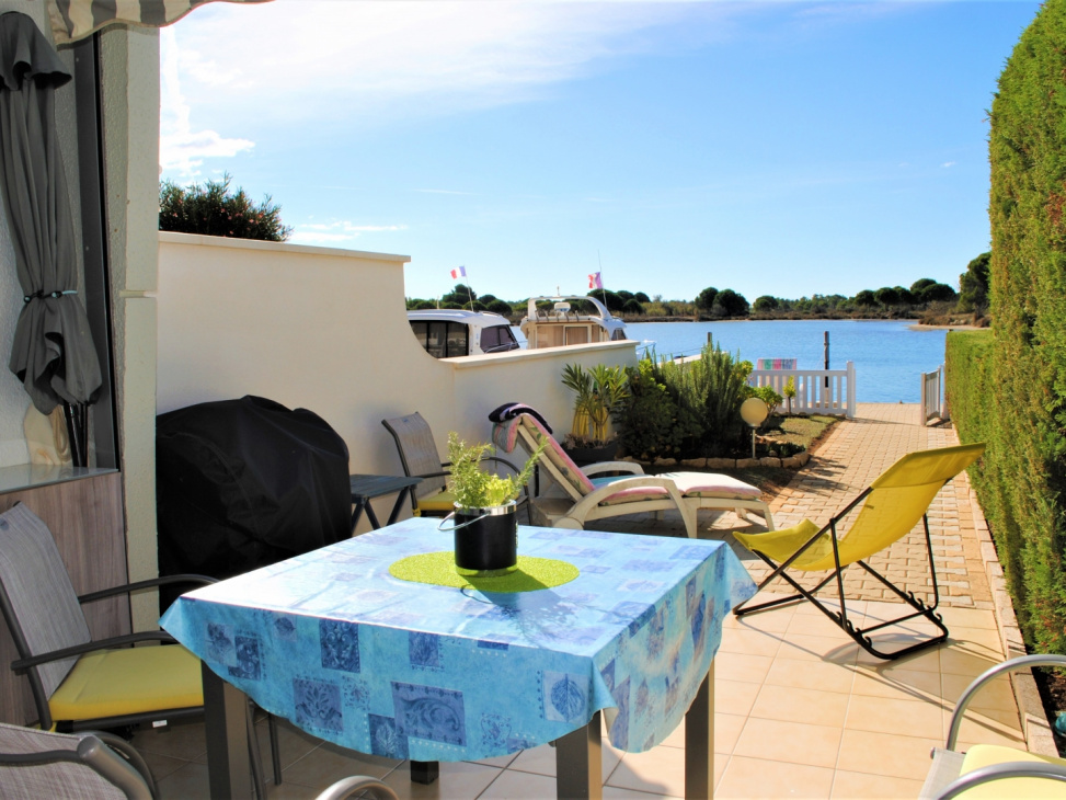 Marinas agence bien 2013 673535 444 000 for Vente appartement agence